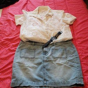 Loft jean mini skirt w front patch pockets. SZ 6
